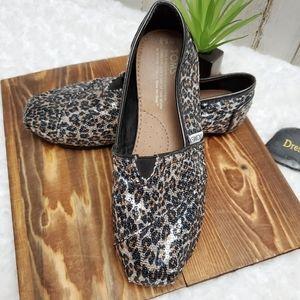 Toms Leopard Print Sequin Slip on Flats W6.5